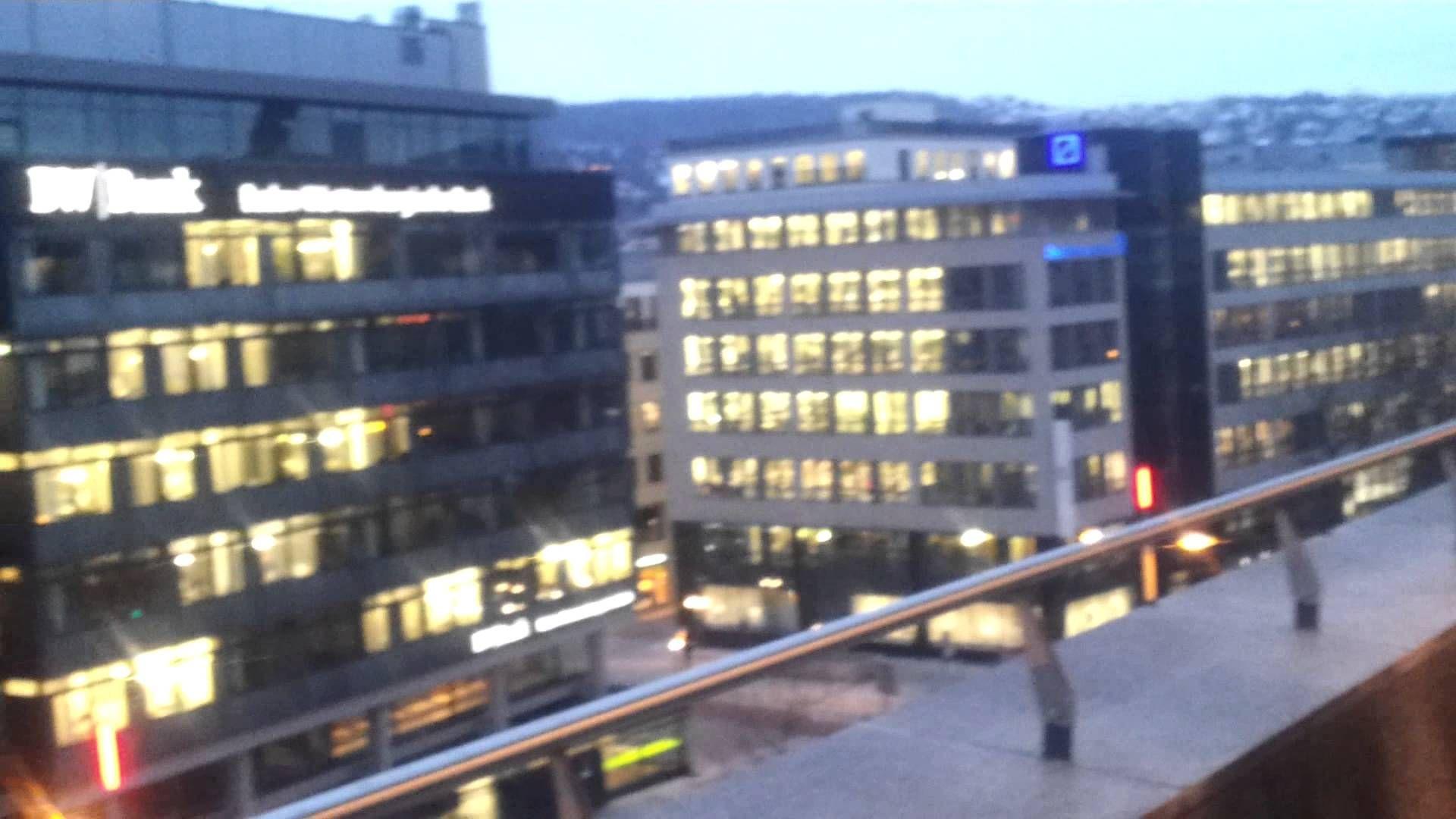 Stuttgarter Aussichten- Börsenviertel Abends- Blick von der Theodor Heuss Strasse. Febr 2015
