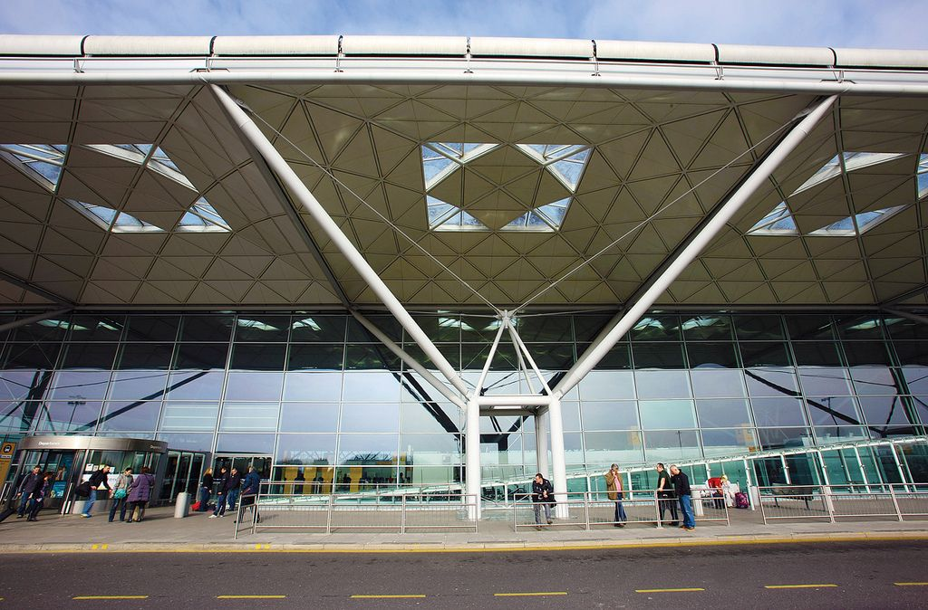 London Stansted Airport London Stansted Airport Airport Design Building Systems