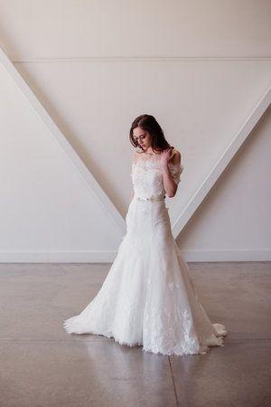Off the Shoulder Chapel Train Layers Wedding Dresses