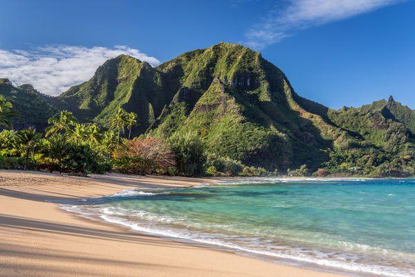 10 Best Beaches In Hawaii Best Tropical Vacations Hawaii Beaches Tunnels Beach Kauai