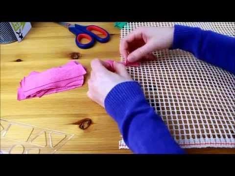 upcycling teppich aus alten t shirts kn pfen der t shirt teppich t shirt rug or shag rug. Black Bedroom Furniture Sets. Home Design Ideas
