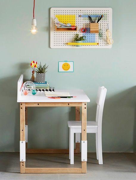 Kinderschreibtisch design höhenverstellbar  Für die ganze Schulzeit ... Der Schreibtisch