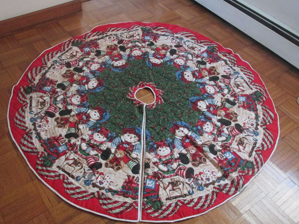 "Christmas Tree Skirt 56"" Raggedy Ann and Andy Rag Doll Reversible to Solid Red"