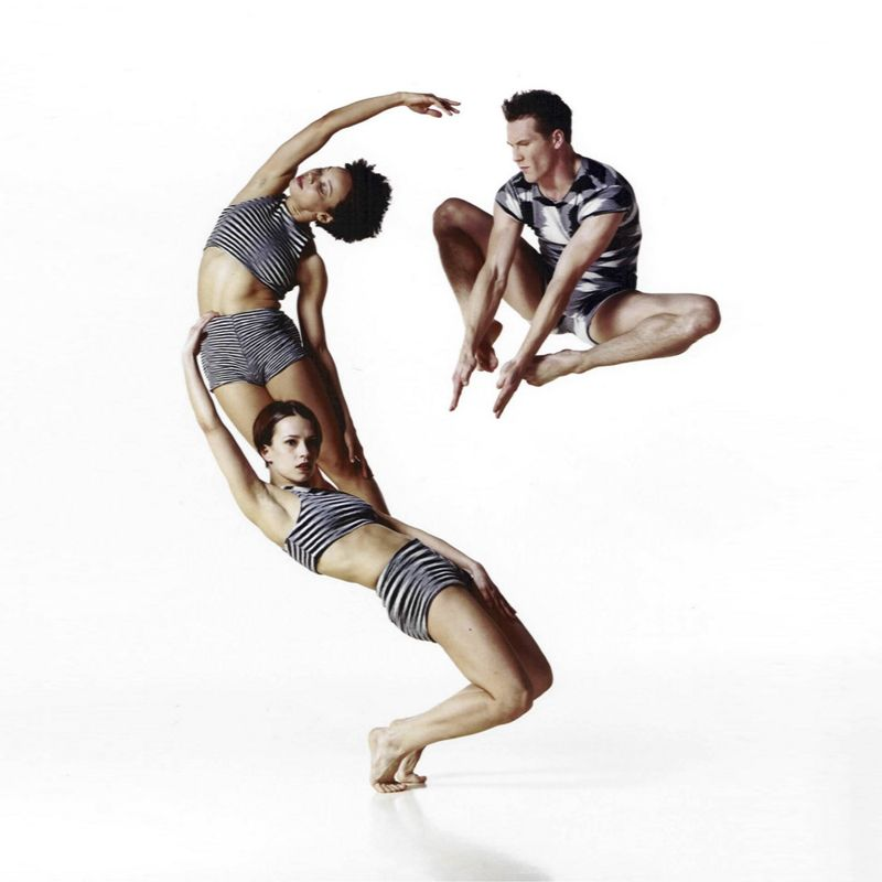 Interview: Dynamic Photos of Dancers Frozen Mid-Movement