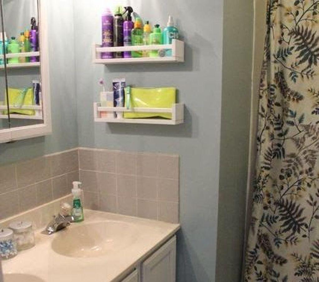 49 Schone Speicherplatze Ideen Fur Kleines Badezimmer Diy Und Deko Ikea Gewurzregal Kleine Badezimmer Inspiration Badezimmer Aufbewahrungssysteme