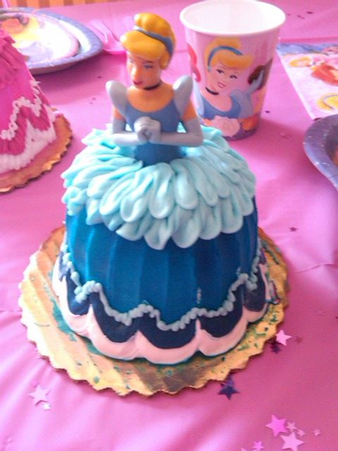Cinderella Cake 5 Dollars At Walmart