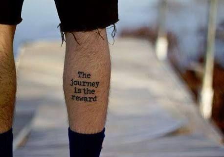 Resultado De Imagen Para Tatuajes Para Muslo Hombre Frases Tatuajes Pierna Hombre Tatuajes Pierna Frases Para Hombres