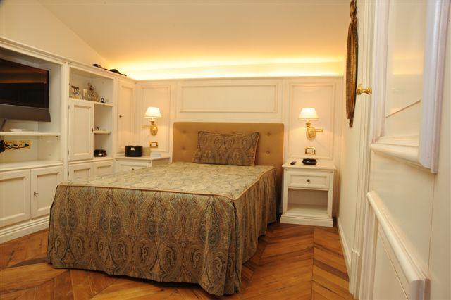 Camera da letto con boiserie | Boiserie - Il Su Misura perfetto ...