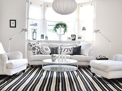 Cute Sitting Area Idea For In Front Of Stormis Bedroom Bay Window