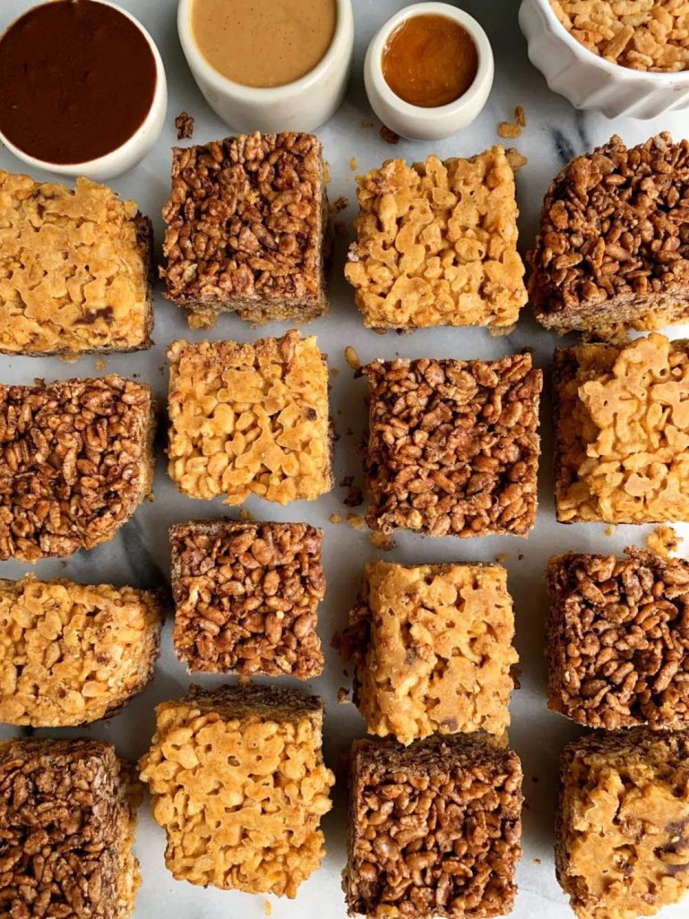 Peanut Butter Cup Pumpkin Rice Crispy Treats #crispytreats