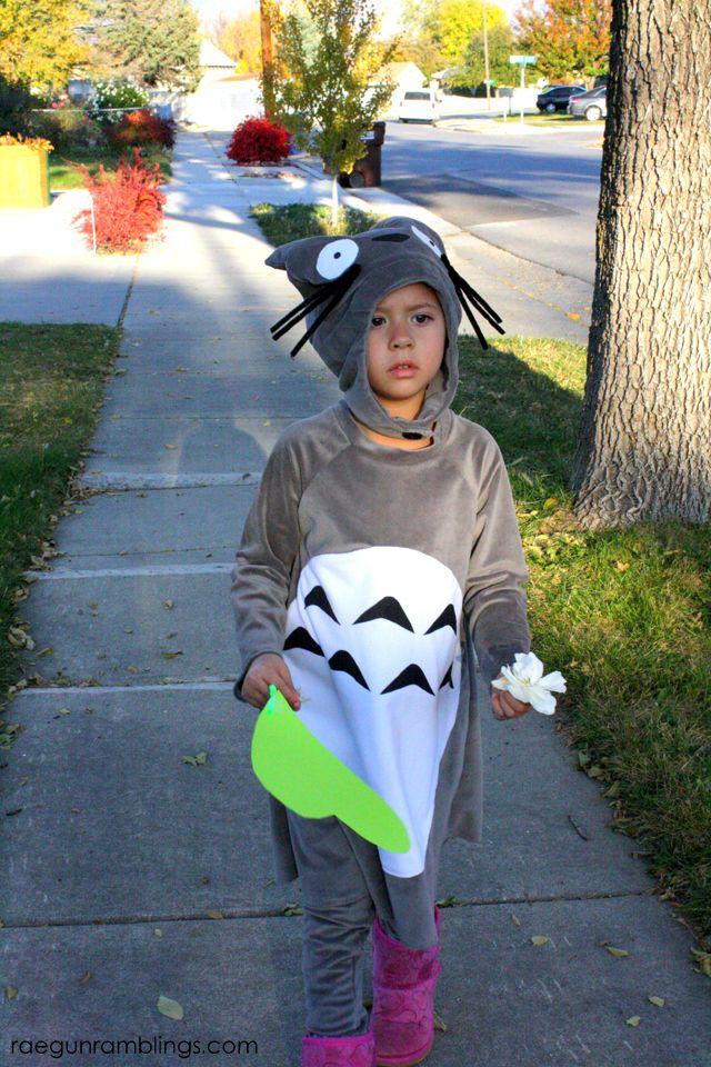 My Neighbor Totoro Costume Tutorial - Rae Gun Ramblings  sc 1 st  Pinterest & How to Make a Totoro Costume   Totoro Costumes and Guns