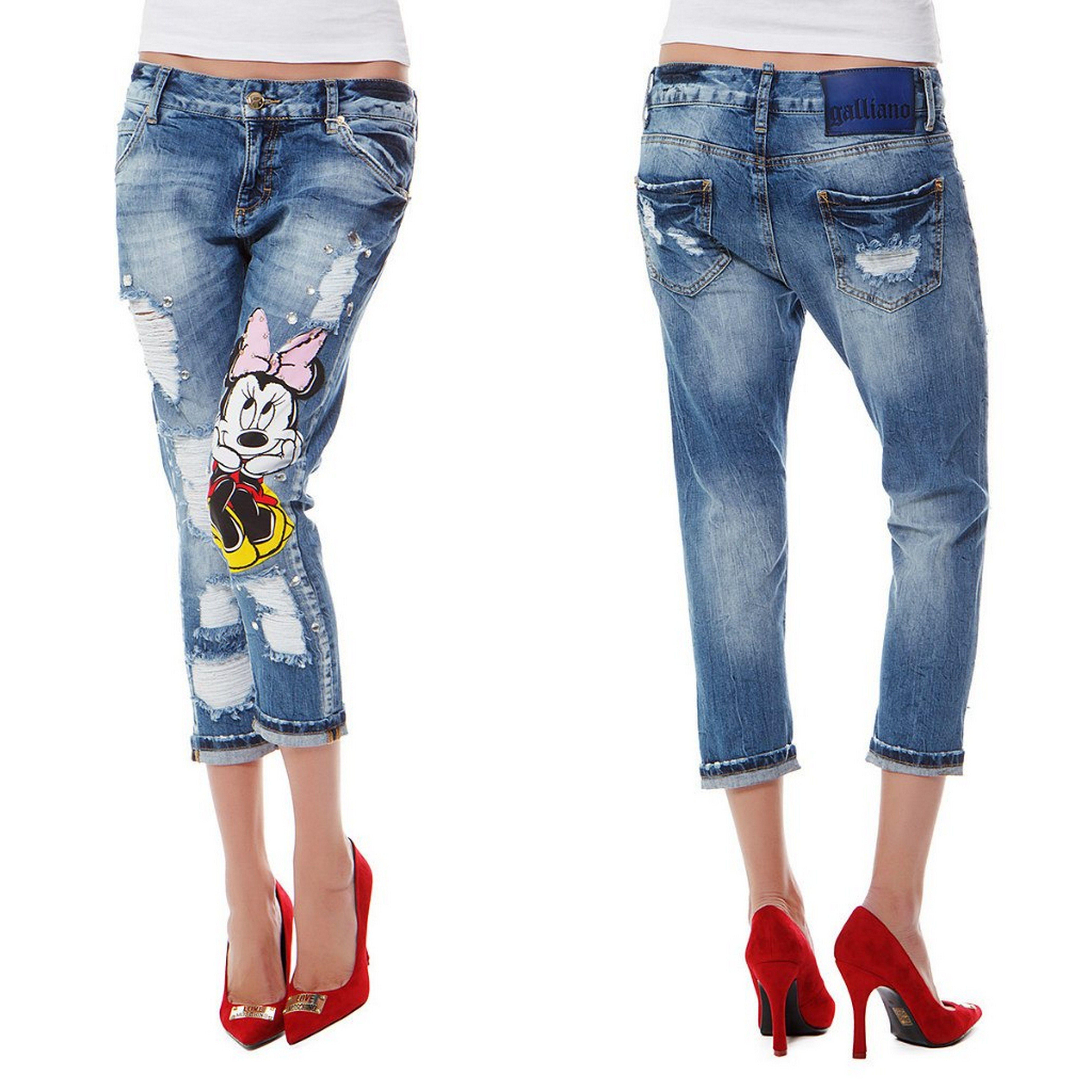 Вышивка на джинсах с потертостями