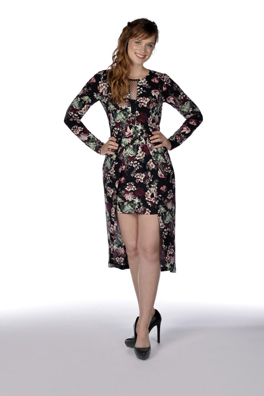 Elizabeth Lail - Photoshoot from the OUAT Season 4 Premiere