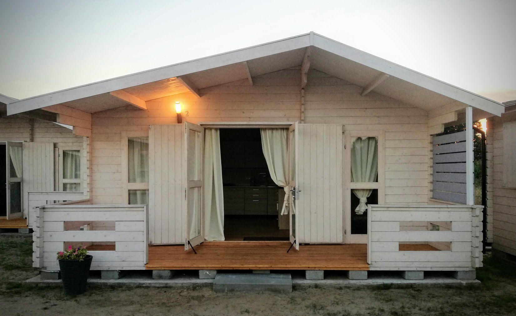 Domek Letniskowy Z Tarasem Norwegia Ogrodosfera Pl Outdoor Structures Structures Outdoor
