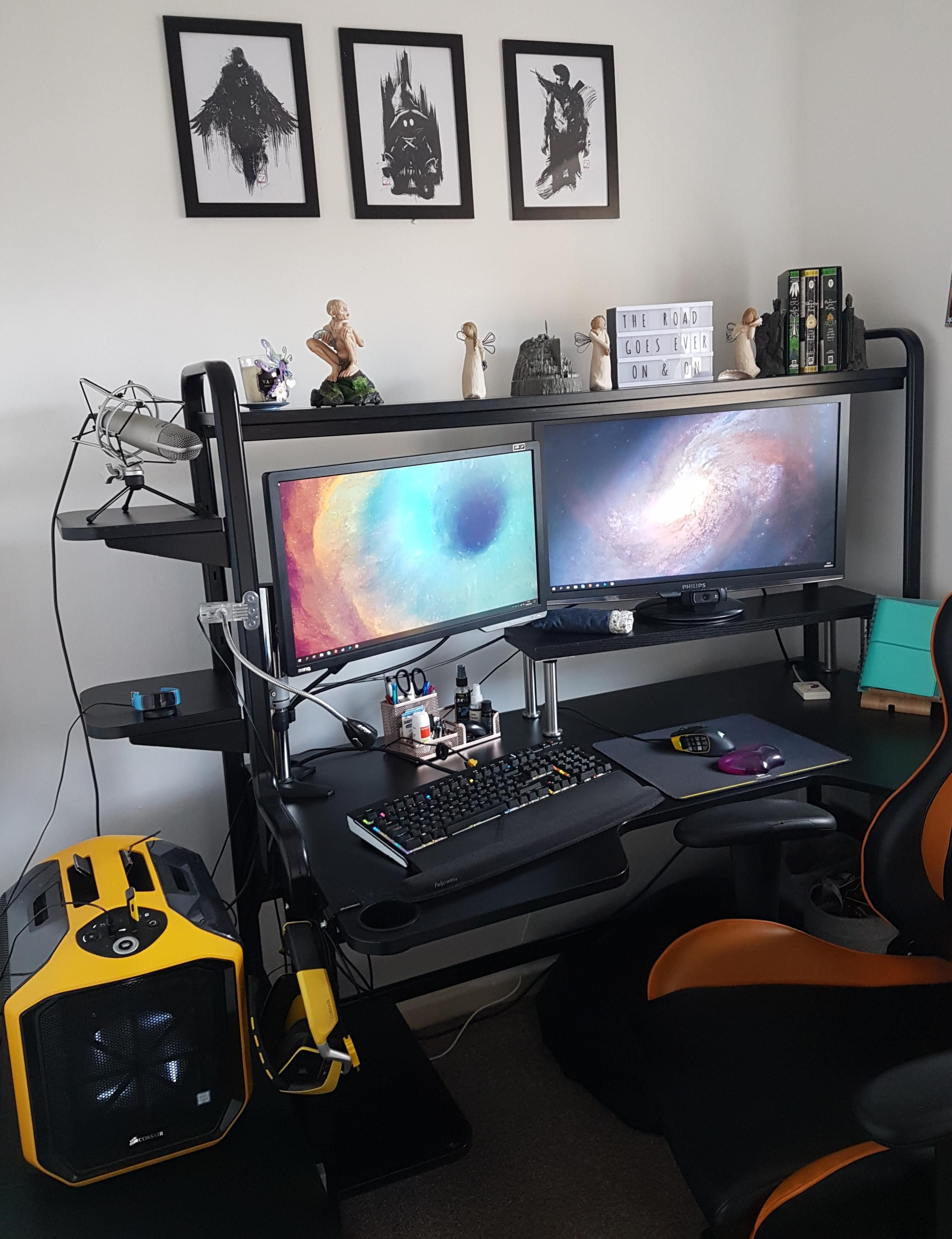 Rather happy with my setup after moving house Gaming