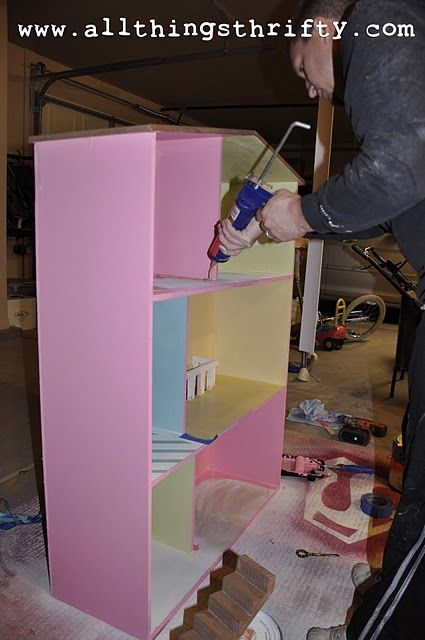 DIY Barbie house....I better have a little girl that LOVES barbies...because I still do!