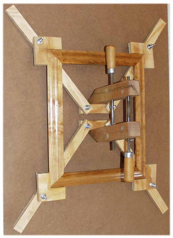 Self Squaring Picture Frame Jig Woodworking Ideas And Techniques