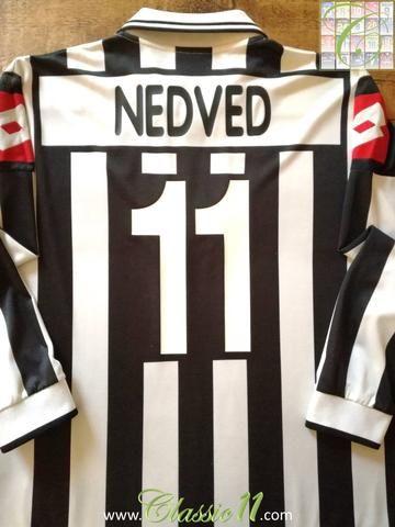 Official Lotto Juventus home long sleeve football shirt from the 2001 2002  European season. 9c4167969e61e