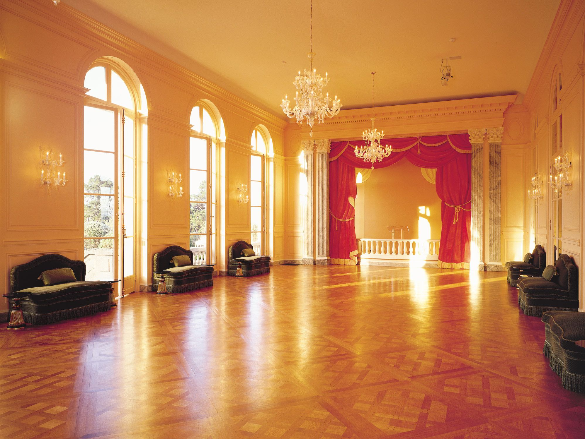 Ballroom carolands palace hillsborough ca castles for Mansion floor plans with ballroom