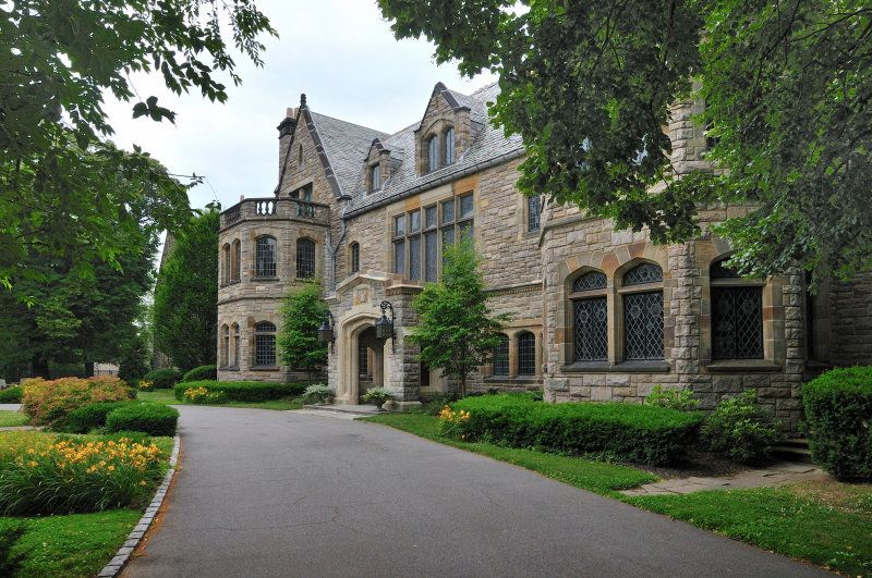Mill Neck Manor in Long Island - Gilded Age inspiration ...