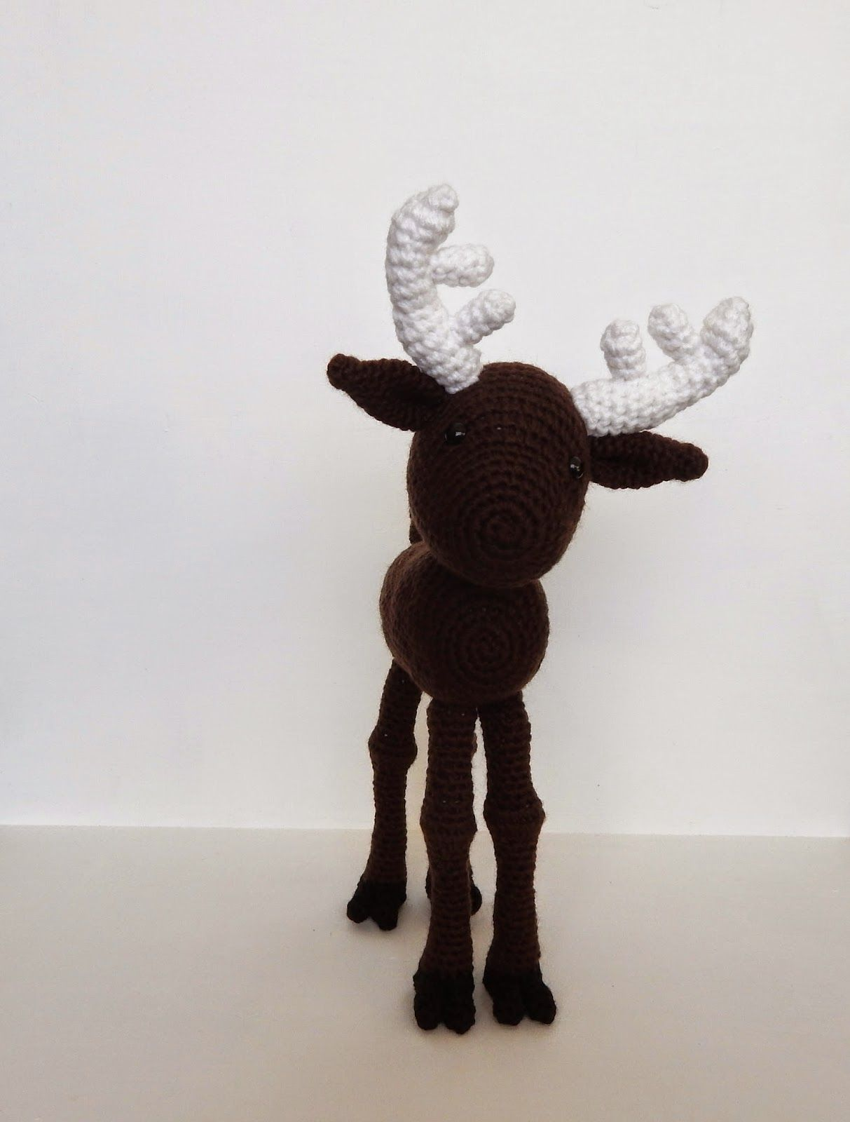 a few more free crochet patterns for your woodland Christmas theme ...