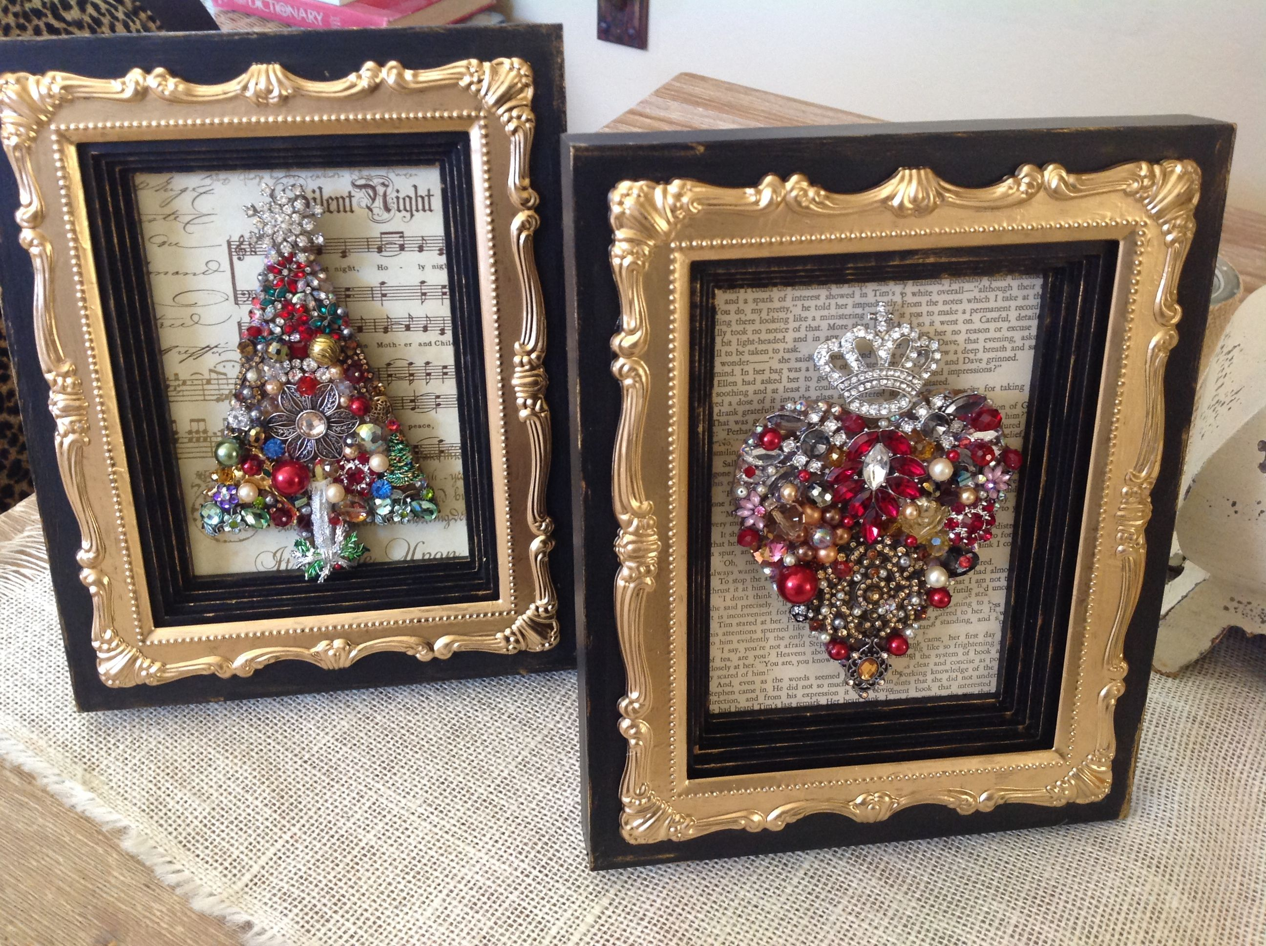 Junk jewelry christmas frames christmas crafting for the holidays