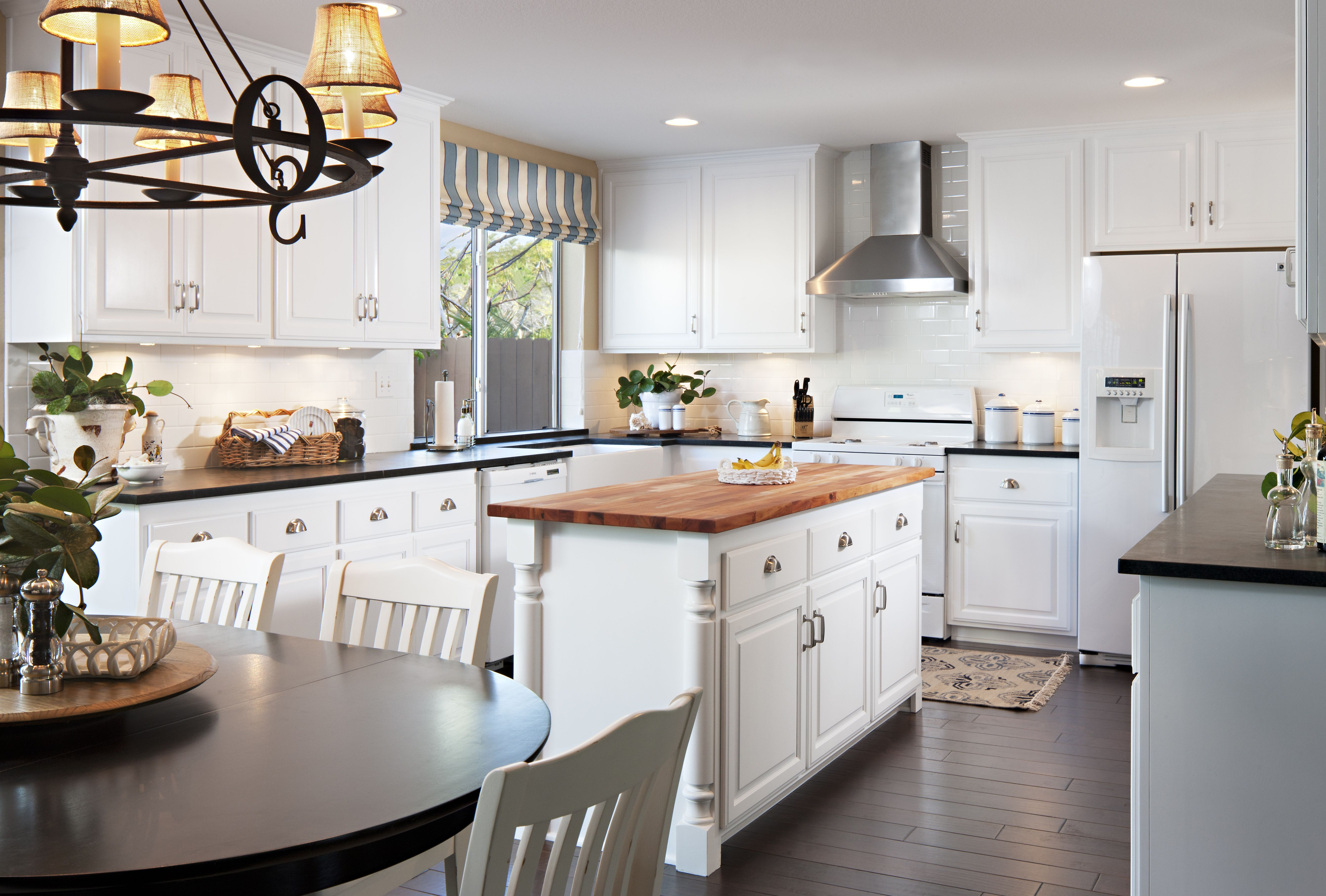 Beach Style Kitchen Cabinets Nice Clean Cape Cod Style Kitchen House Ideas Kitchen