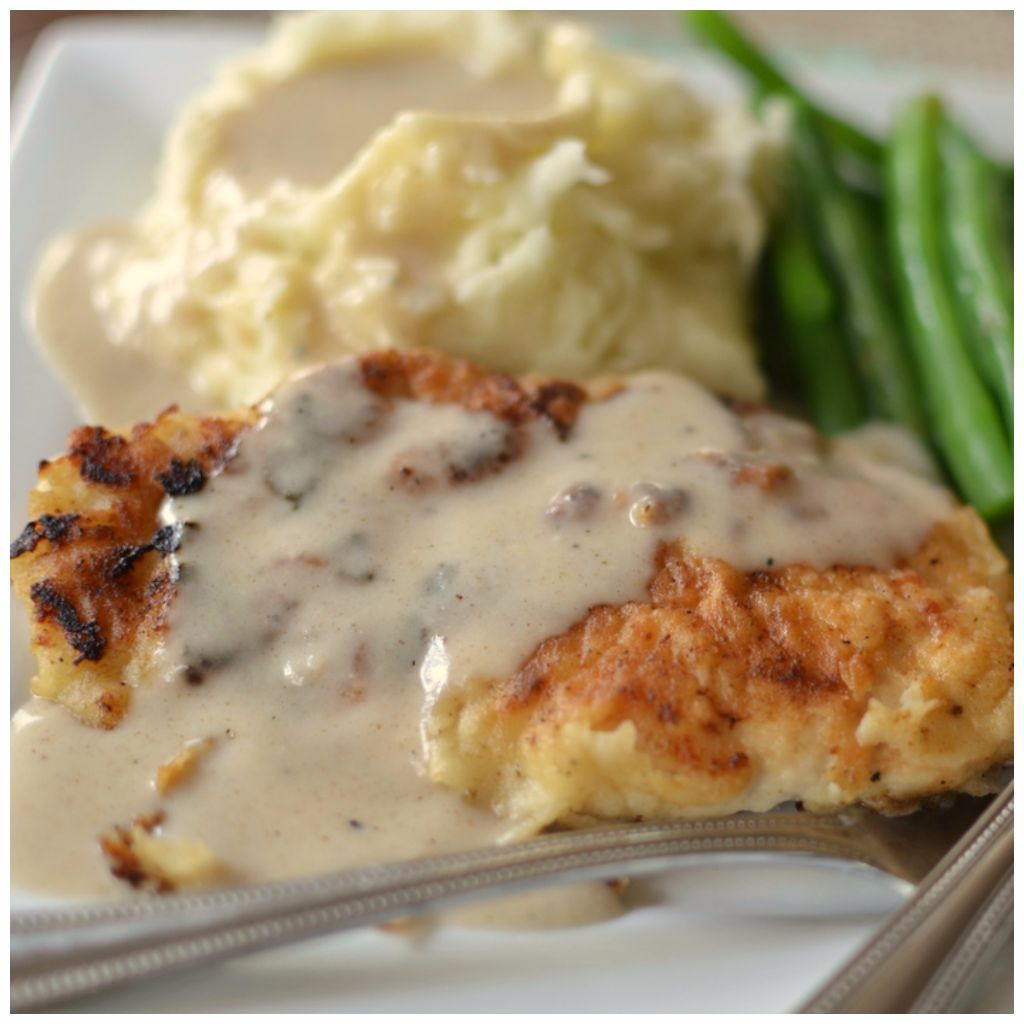 Easy Pan Fried Chicken With Cream Gravy
