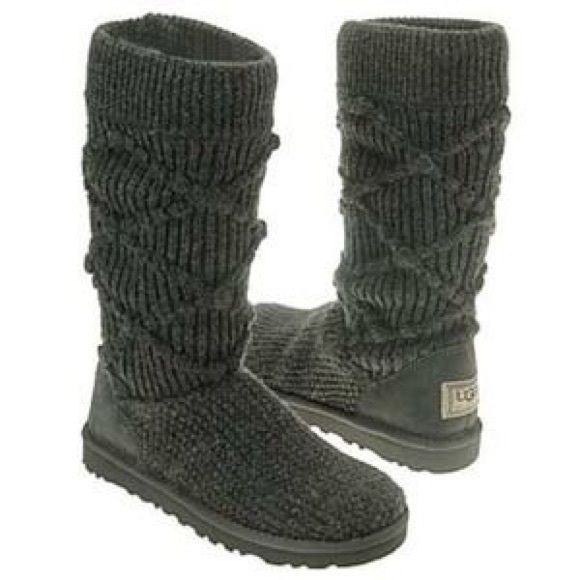 29eef9c970e Classic Argyle Knit Uggs Classic cable knit uggs in grey. Work 5-6 ...