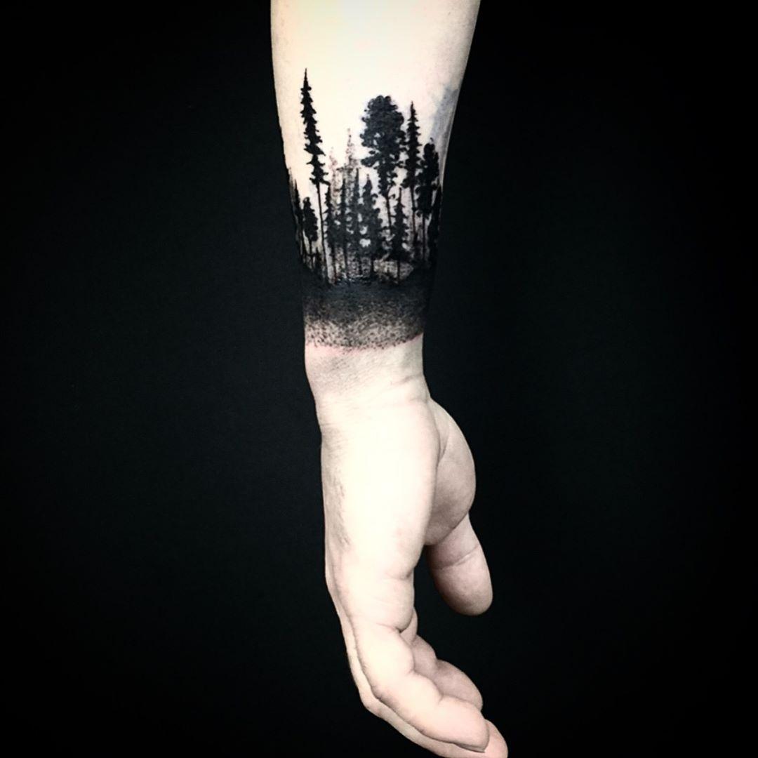 Black Forest Armband Tattoo On The Left Wrist Tribal Shoulder Tattoos Arm Band Tattoo Tattoos
