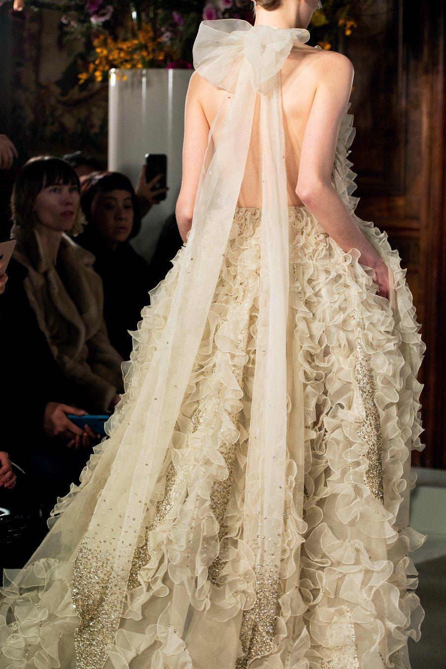 Valentino Spring 19 Couture Fashion Show  Couture brautkleider