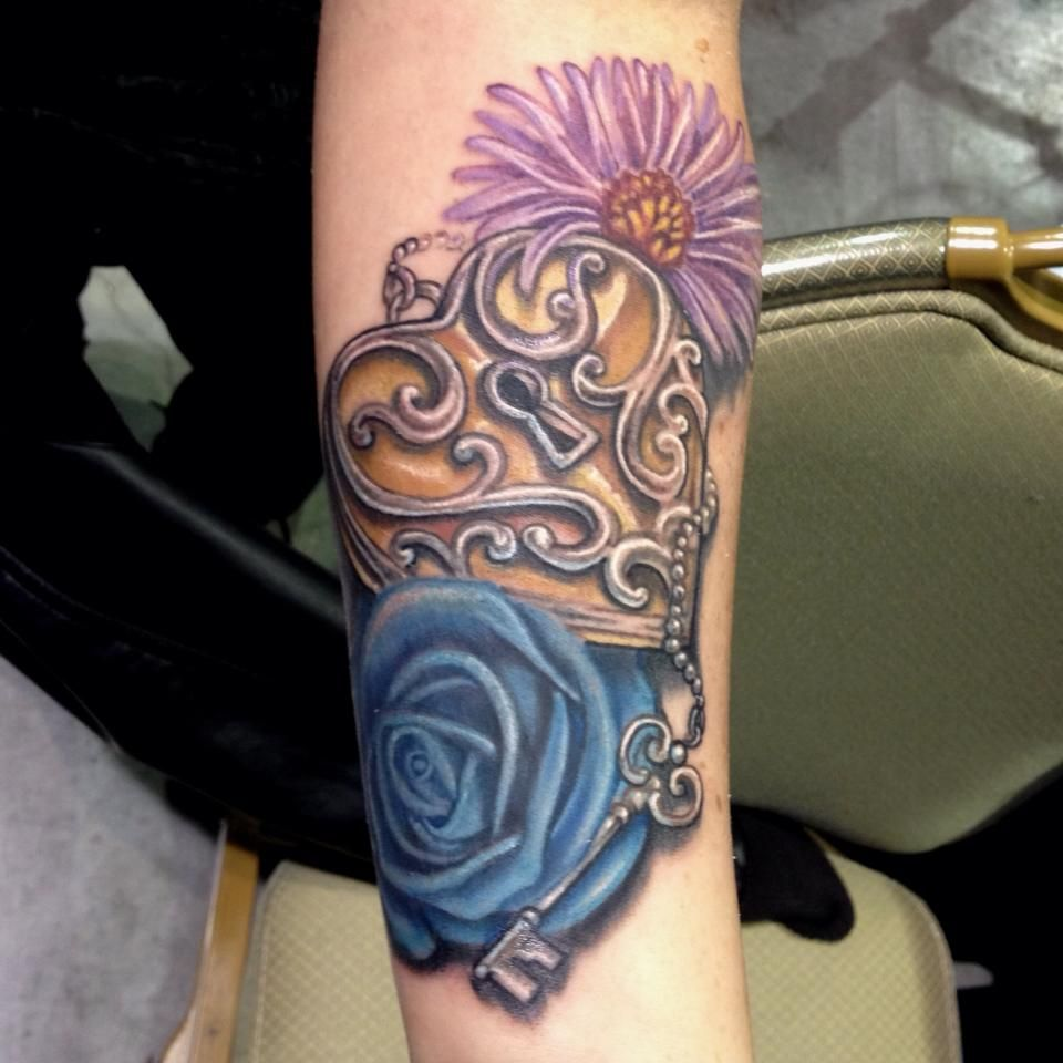 Pics photos heart lock flowers n key tattoo design - Jellyfish Cover Up Tattoo By Mike Ashworth Tattoos By Mike Ashworth Pinterest Tattoo