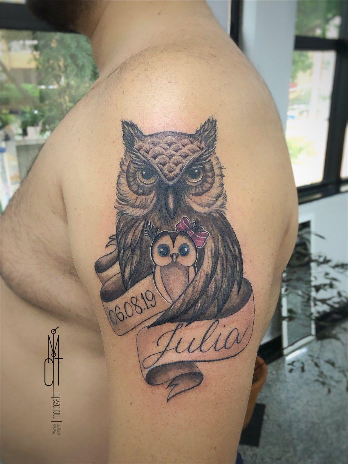 ✧ Cᴏʀᴜᴊᴀ ✧ .  Para o papai coruja da Júlia! André! Muito obrigada querido! Que vc e Fer continuem sendo esses pais maravilhosos para a Júlia!  . . . .  #tatuadoras #tattoocampinas #cutetattoo #tatuagemdeminina #homenagemtattoo #tattoohomenagem #ideiasparatatuagem #tatuagembrasil #fineline #tattoostyle #tattoofeminina #tatuagemcampinas #tattooing #tattootime #tattoosp #familiatattoo #tatuagem #inktattoo #tattooinstagram #lovetattoos #sptattoos #tattooed #inkalma #mcrozatti