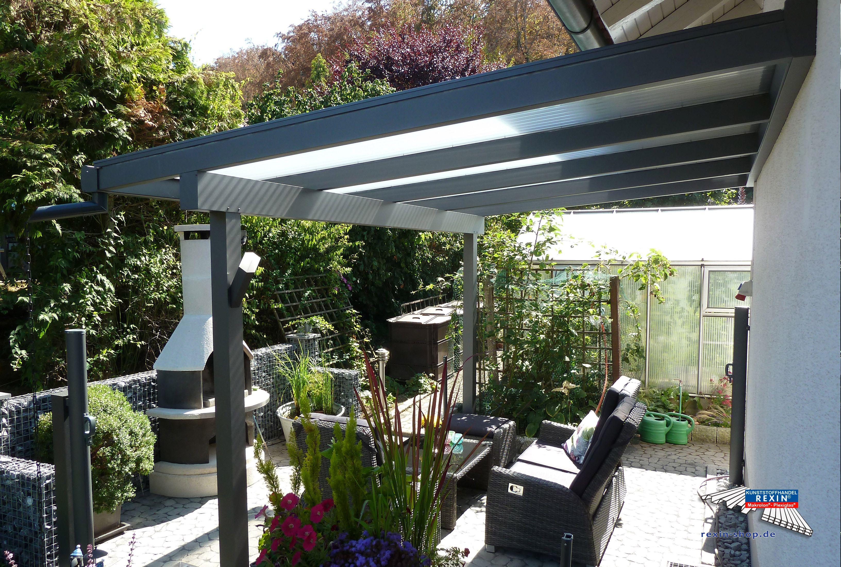 Beautiful Ein Alu Terrassendach der Marke REXOclassic m x m in Anthrazit mit Plexiglas