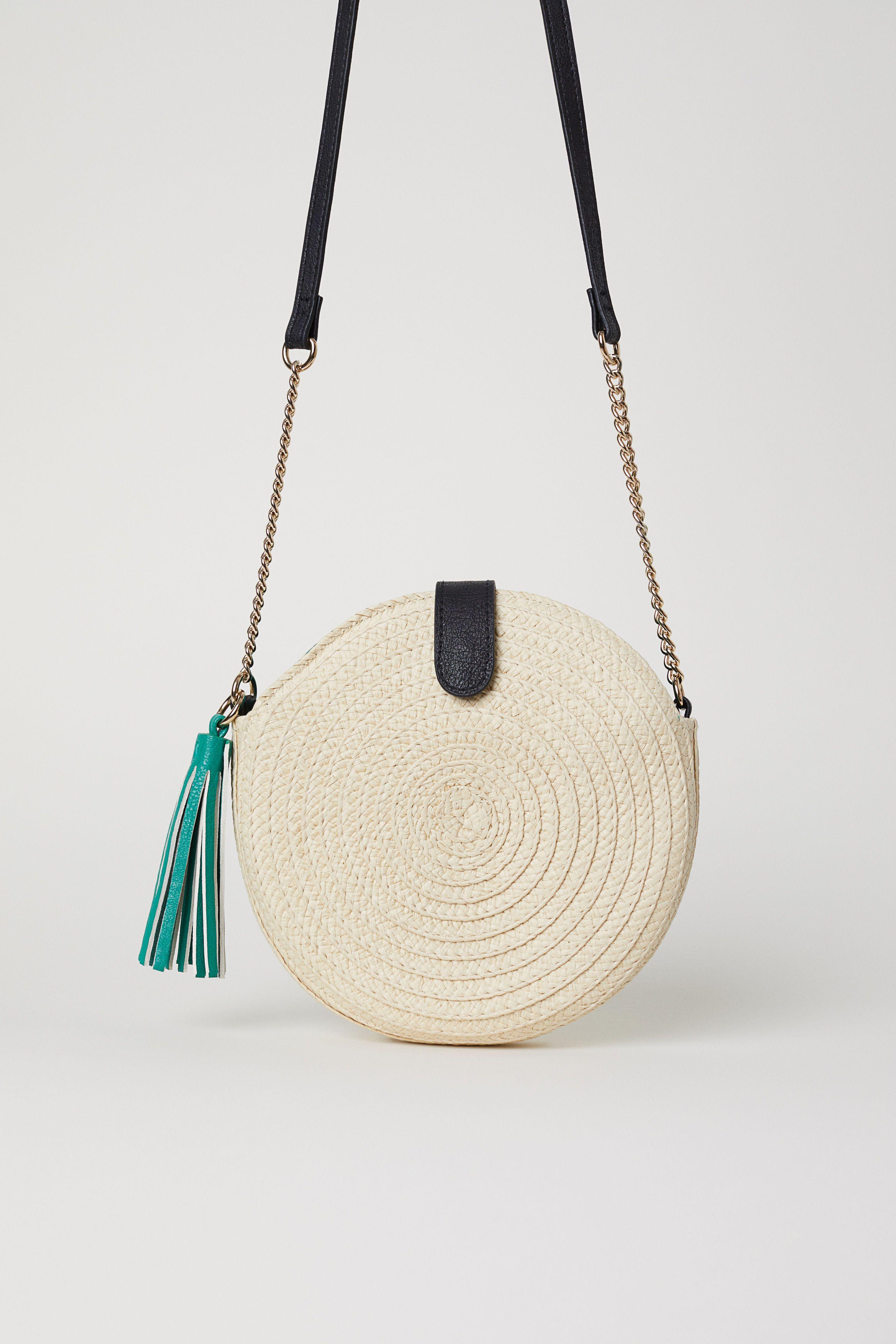 2a49b30d961b Круглая сумочка из соломки | аксессуары | Сумки, Натуральный, Рюкзак