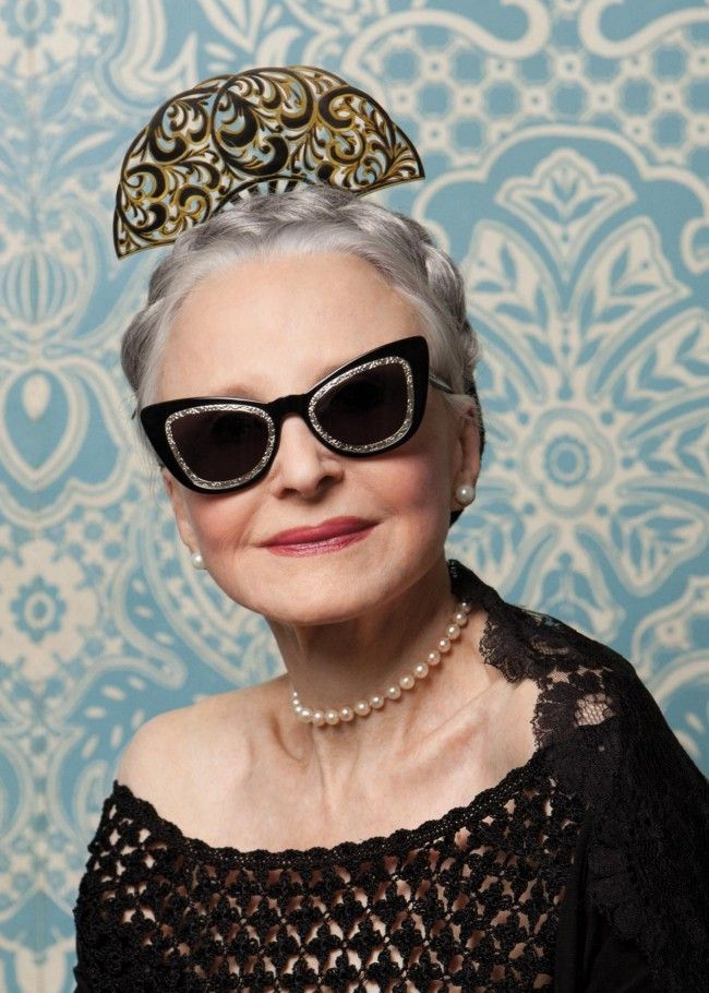 75da3d965033 A Chat With Karen Walker s New Campaign Stars 91-Year-Old Ilona Royce  Smithkin and 65-Year-Old Linda Rodin. «