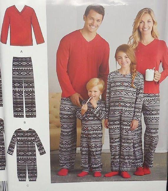 Simplicity D0585 - Easy Sew Family Pajamas - Christmas Pajamas - Mom ... 2731e5927