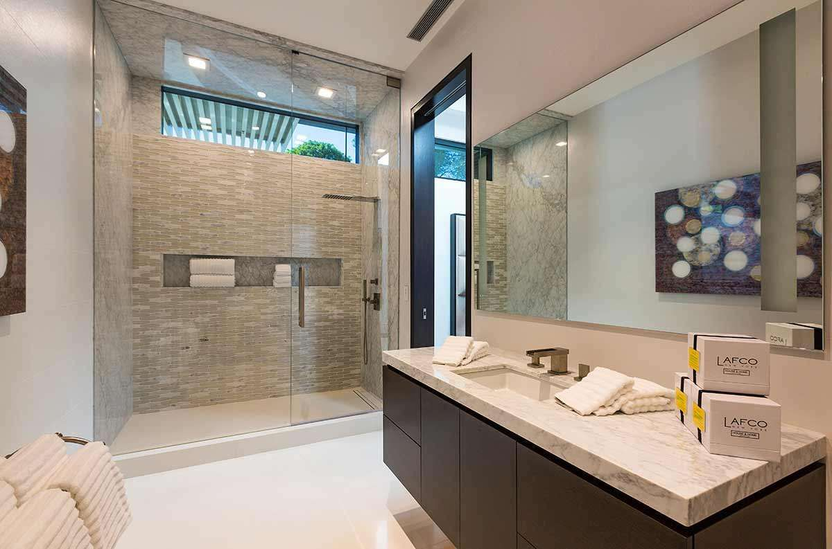Beyonce and jay z s 85 million mansion in beverly hills for Bathroom 75 million