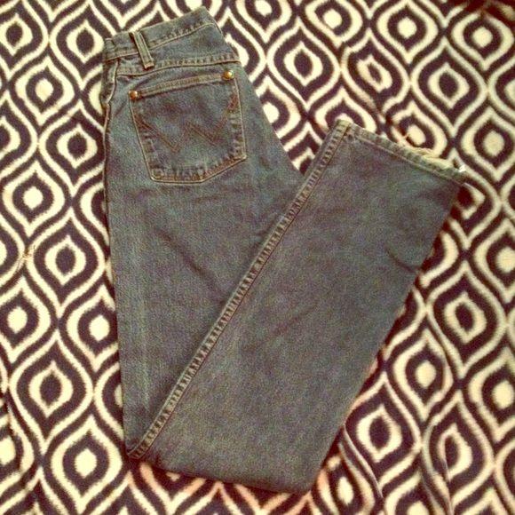 Wrangler Jeans✨ Size 1 Wrangler Blue Jeans in great condition! ✨ Wrangler Jeans Straight Leg