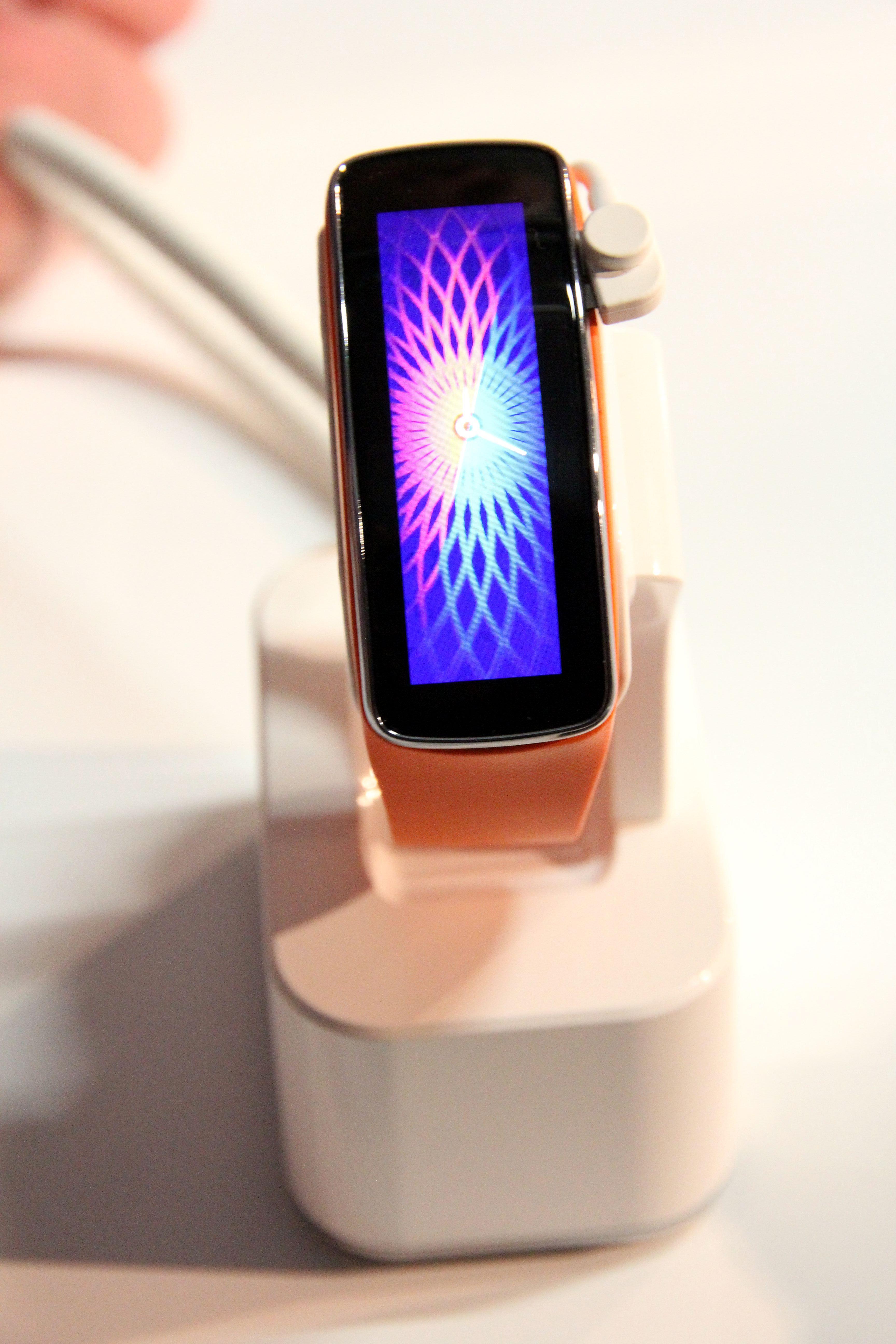 El nuevo #GearFit presentado ayer junto al Samsung #GalaxyS5 #MWCBCN #MWC14