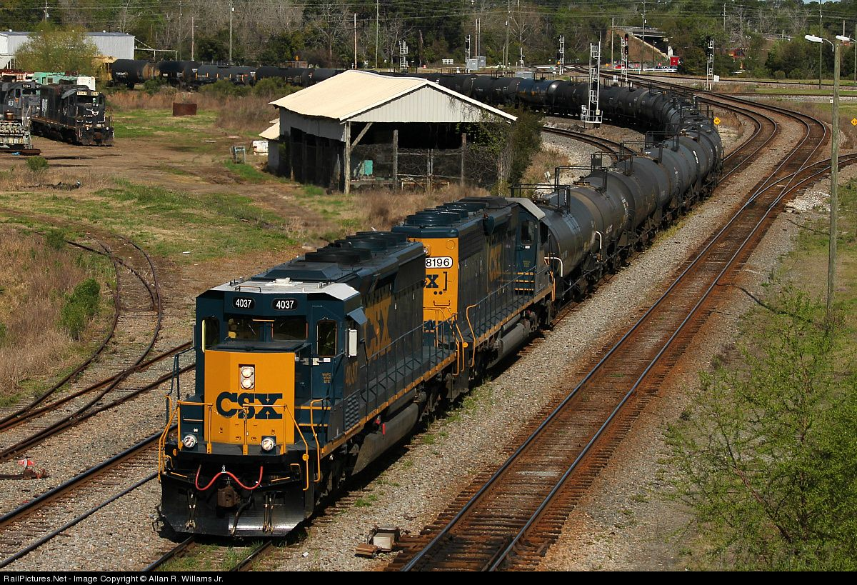 Csx train in waycross ga csx 4037 csx transportation csxt emd