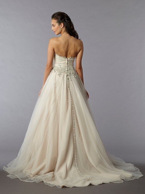 This is a stunning Danielle Caprese princess gown at #Klienfield ...
