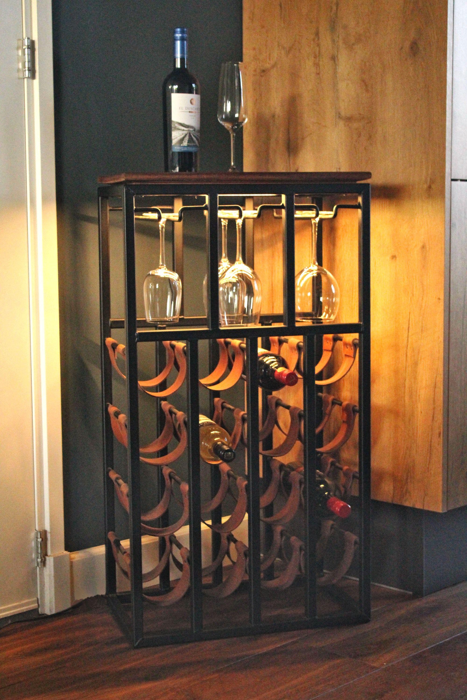 Stoer Wijnrek Van Staal En Hard Hout Plaats Voor 16 Flessen