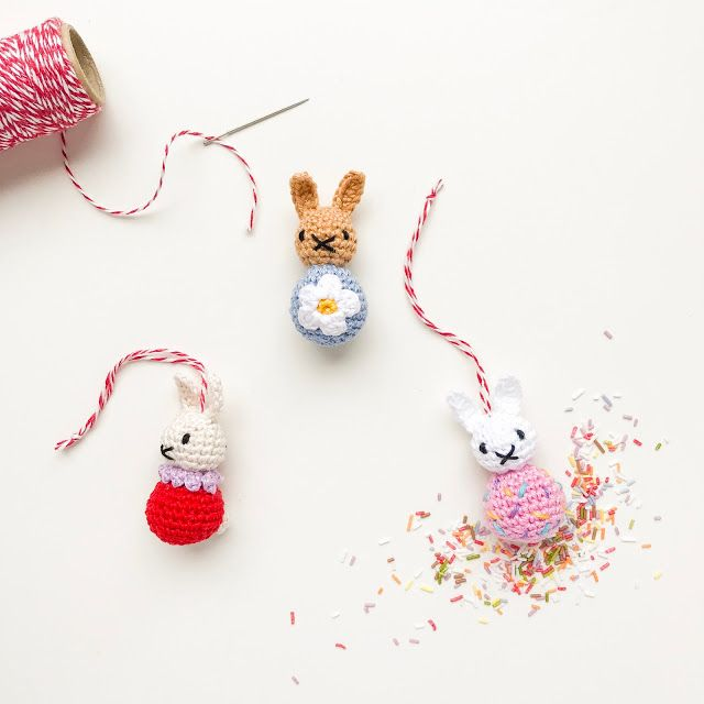 Crocheted bunnies as a magical Easter decoration
