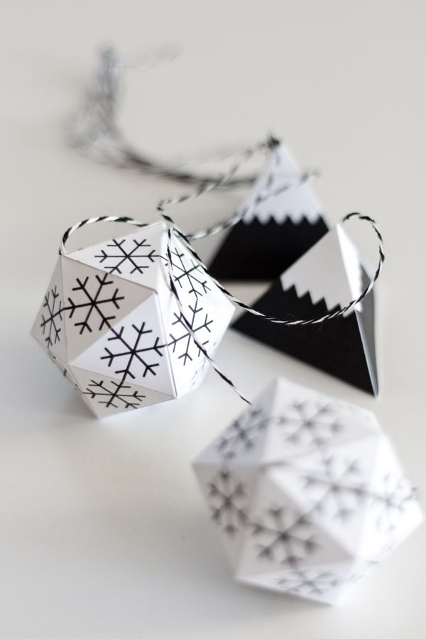 life as a moodboard: Christmas Decorations | paper solids