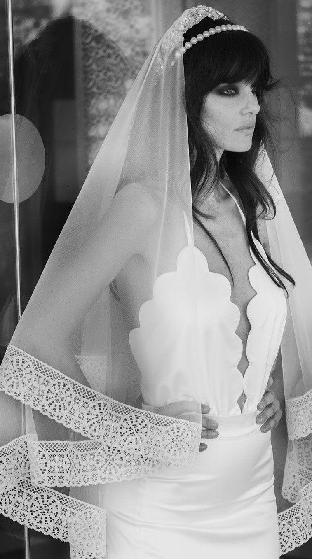 Halter neck scallop neckline mermaid  wedding dress #weddingdress #weddinggown