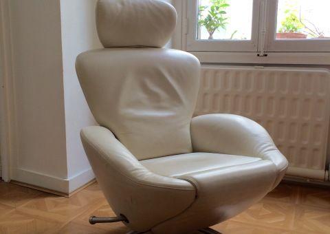 Donne 2 fauteuils relax en cuir beige