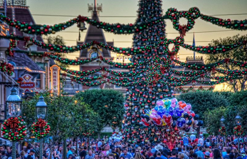 Disneyland Christmas | My favorite place ever ! | Pinterest ...