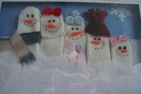 Candy, Cake, and Crafts: Snowmen from Gloves - Family Frame