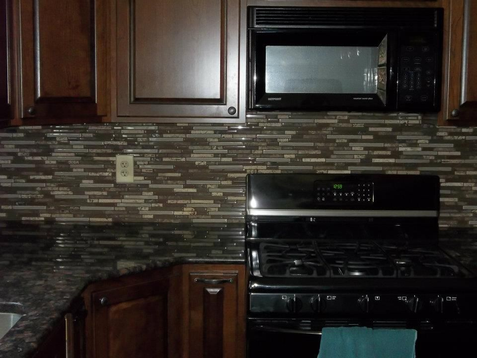 Choosing A Grout Color Kitchen Colors Color Tile Beautiful Tile